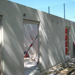Massivwand für Sportplatz Umkleidekabine